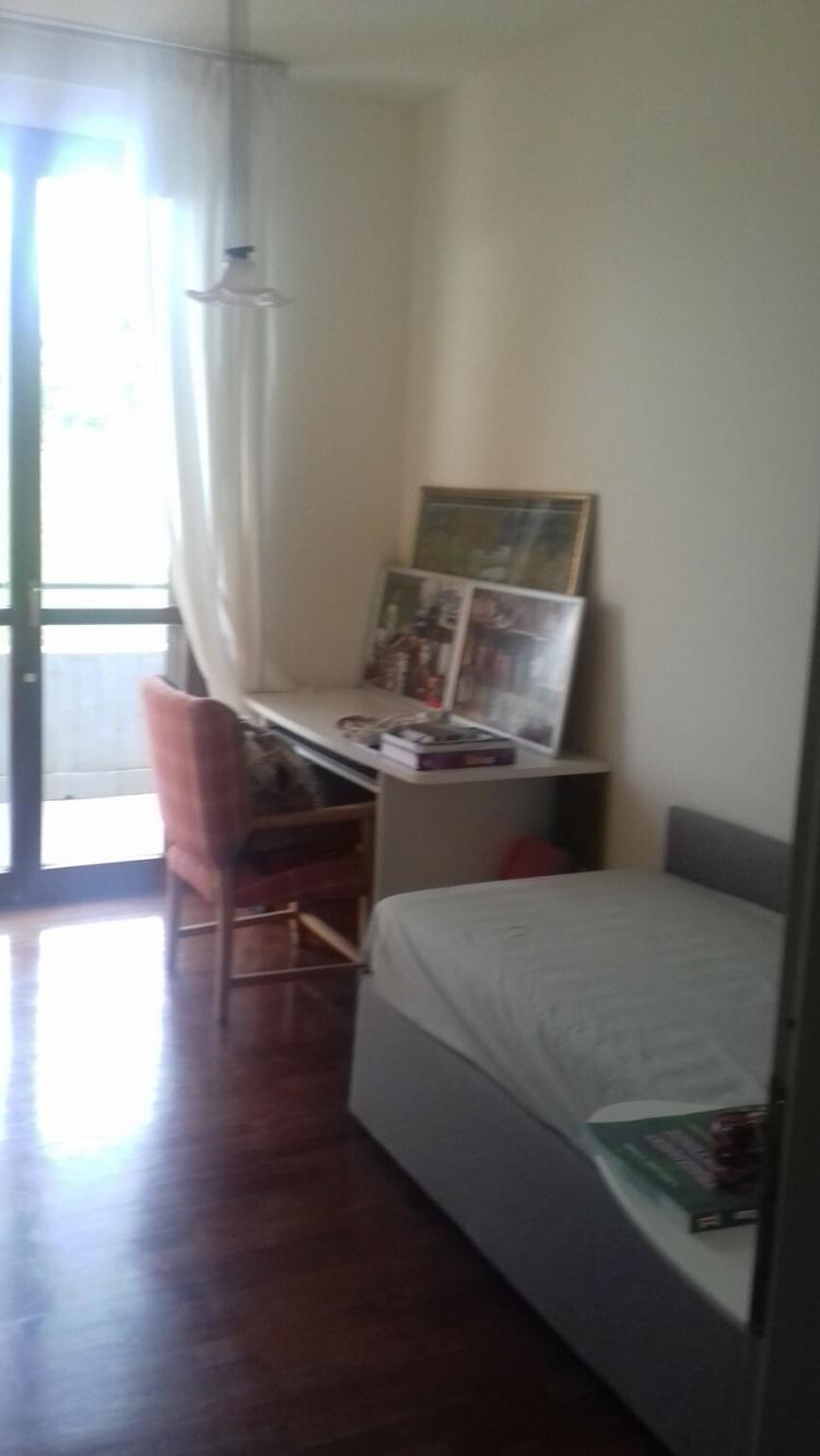 empoli-appartamento-5-vani-luminoso-camerina