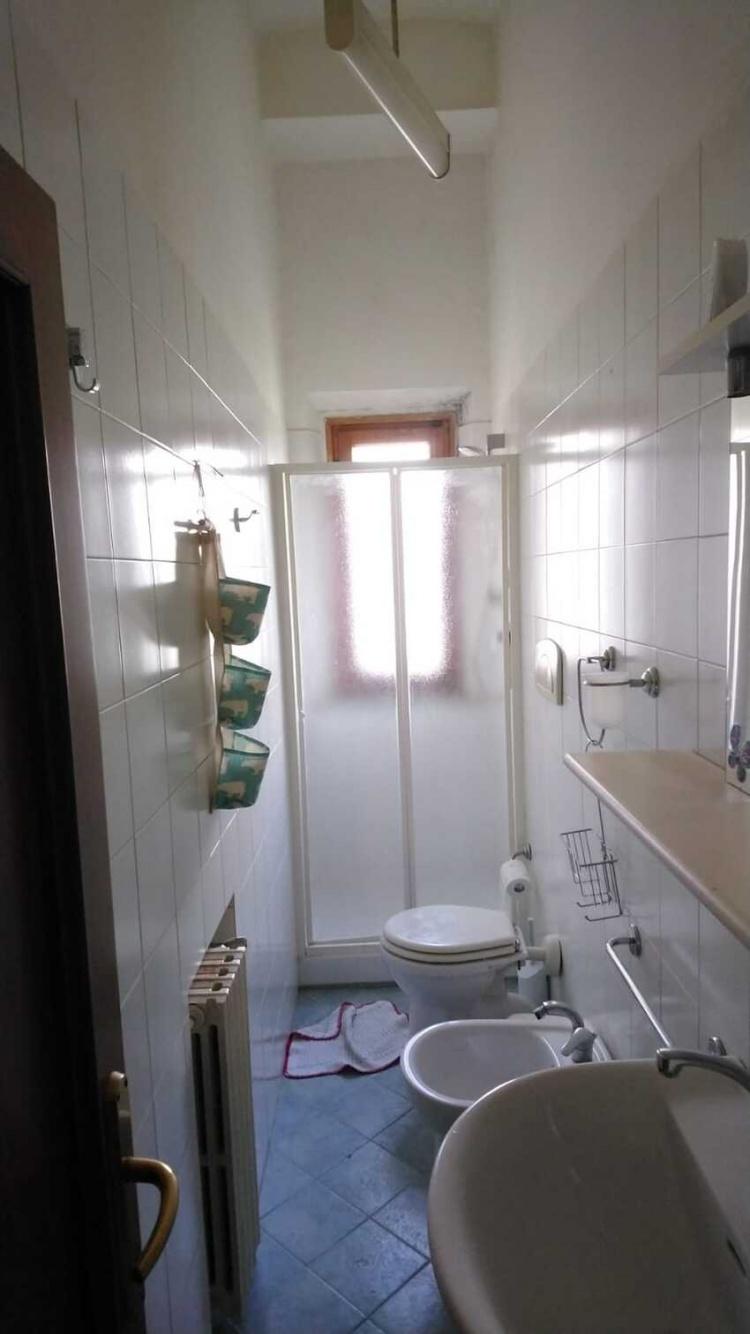 wc del bagno-di-empoli-bilocale-in-vendita