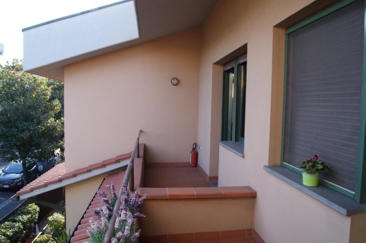 fucecchio-palazzina-appartamento-ed-fondo-in-vendita