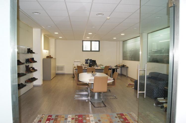 fucecchio-palazzina-appartamento-sala-riunione-in-vendita