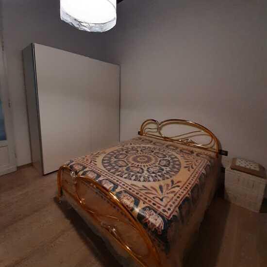 empoli appartamento di quattro vani in affitto camera
