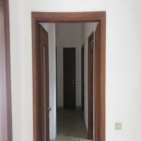 empoli-centro-cinque-vani-particolare-corridoio