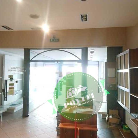 Montelupo-fiorentino-vendita-negozio-e-magazzino