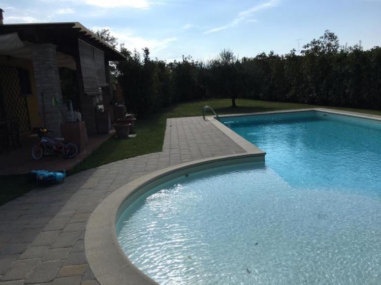 m08-villa-ad-empoli-con-piscina