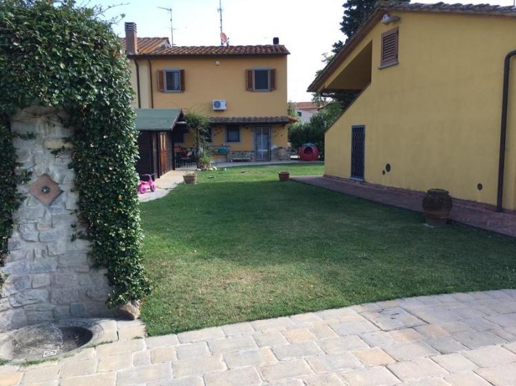 m08-villa-in-vendita-ad-empoli-con-piscina-ampio-giardino