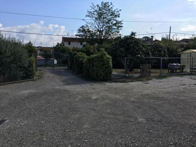 m08-villa-in-vendita-ad-empoli-con-piscina-parcheggio