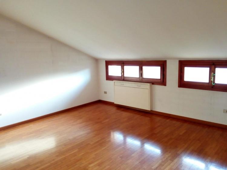 empoli-attico-in-vendita-mansarda-finestrata-dt35