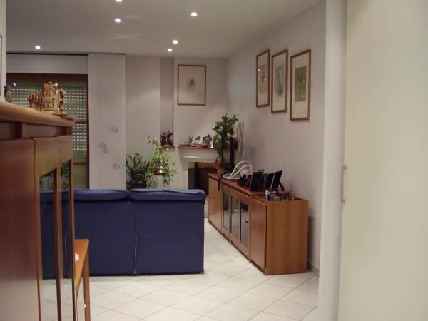 Vendesi appartamento con ampi spazi a Limite sull'Arno