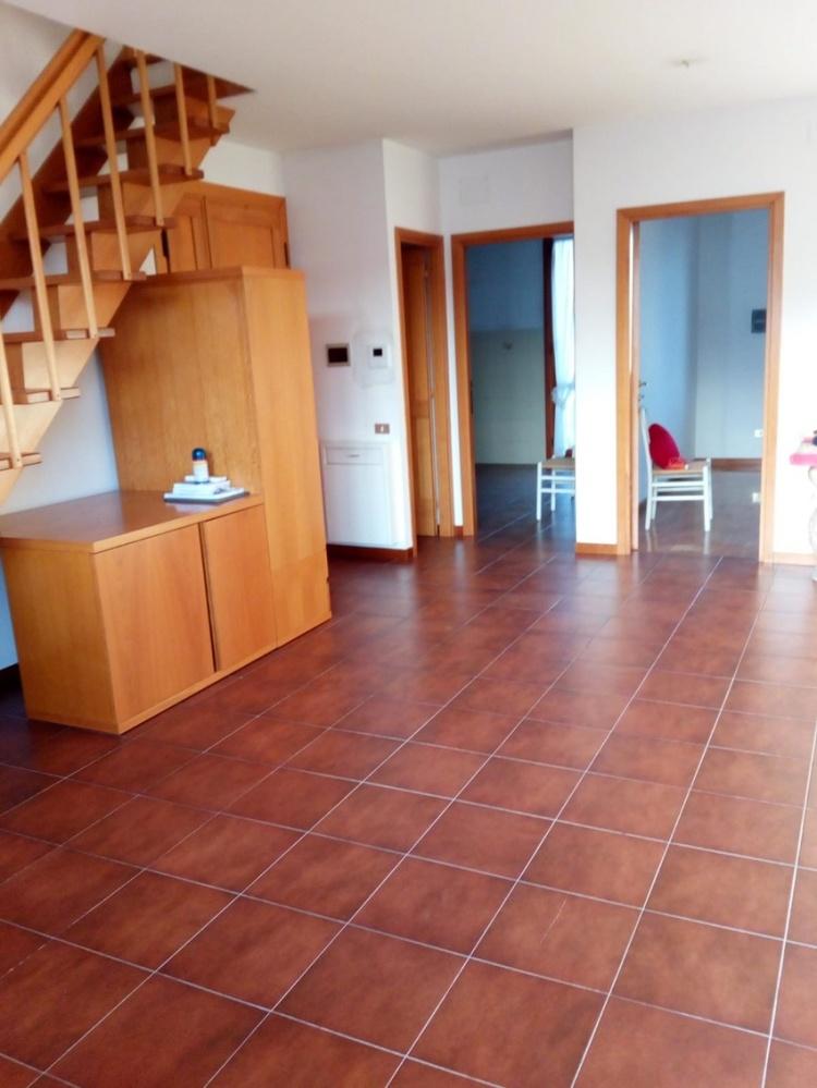 empoli-attico-in-vendita-mansarda-terrazzi-soggiorno-t35
