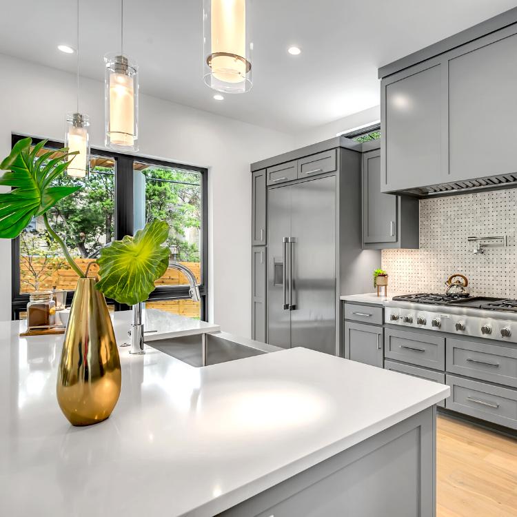 La vendita del tuo immobile sarà seguita dai migliori professionisti.
