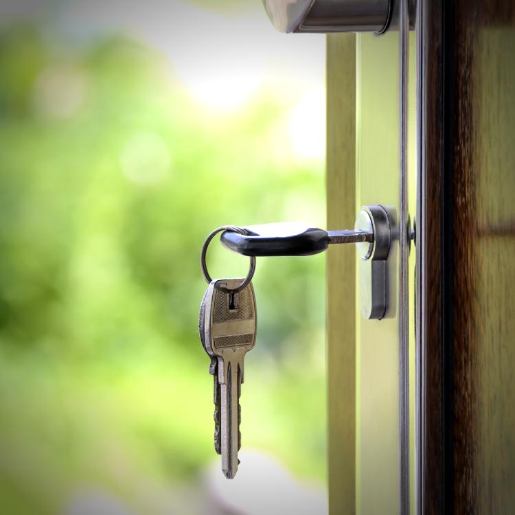 Non aspettare. Inserisci oggi la tua proprietà in un network di potenziali acquirenti.