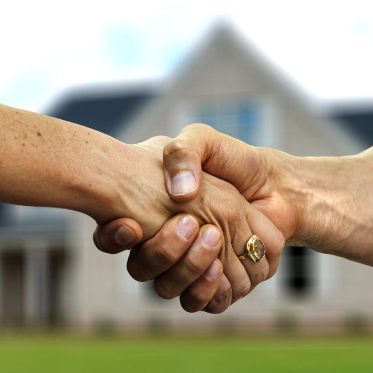 Ti seguiremo passo dopo passo fino alla finalizzazione del contratto di vendita.