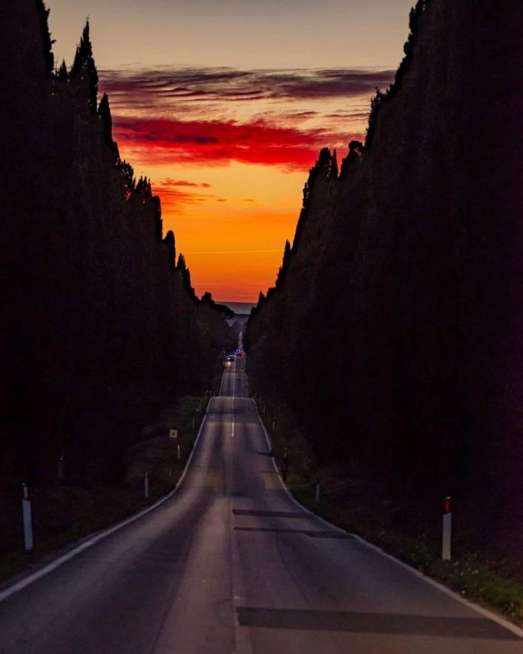 la-strada-che-porta-lontano